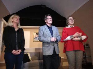 Eva Otter, Prim. Mag. Dr. Josef Aichinger und OA Dr. Regina Steringer-Mascherbauer begrüßen die rund 90 Gäste