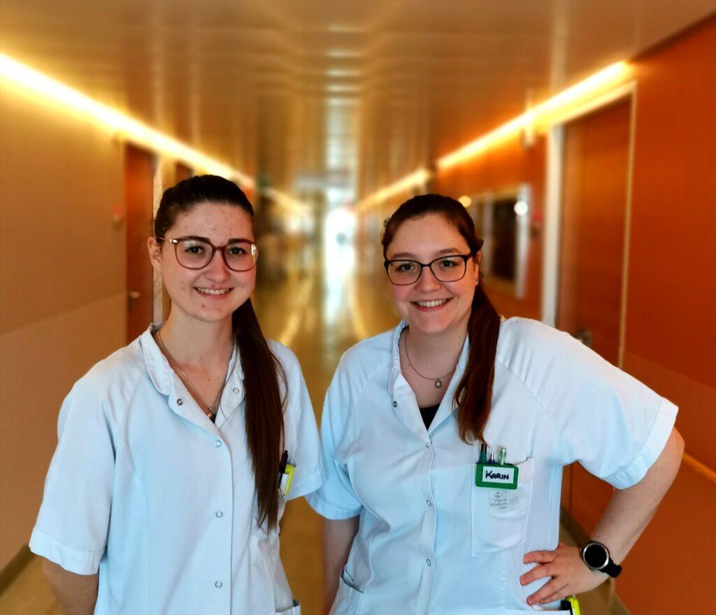 Stationsorganisatorin DGKP Karin Hahn (re.) und ihre Vertretung DGKP Nadine Silber betreuen gemeinsam mit ihrem Team am Linzer Ordensklinikum die Patienten mit Lungenhochdruck. (c) Hahn